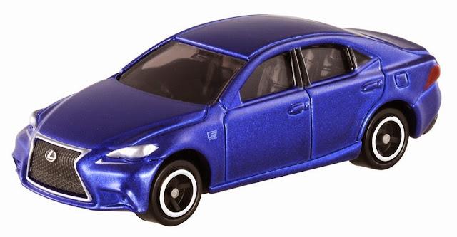 Tomica 100 Lexus IS 350 F Sport với màu xanh dương làm toát lên vẻ khỏe khoắn, trẻ trung của chiếc xe thật