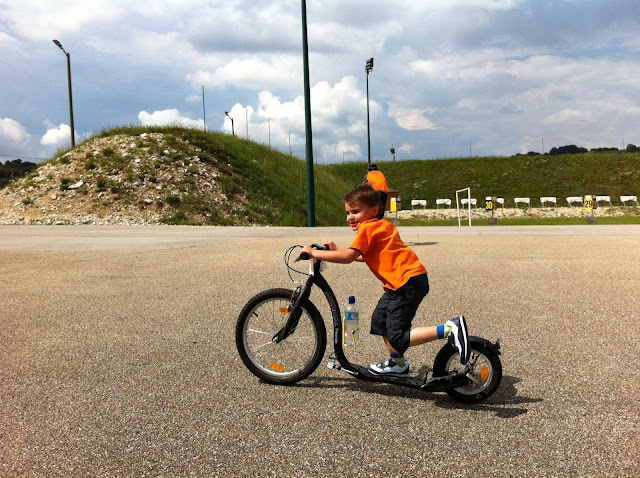 TROTTINETTE ENFANT ??????? IMG_0950