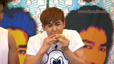 2PM ยกให้นิชคุณเป็นคู่แข่งในวงอันดับ 1