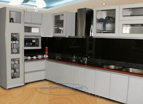 Tủ bếp gỗ màu trắng