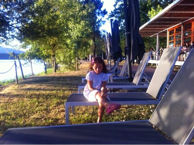 http://sosunnyblog.blogspot.pt/2014/08/vivan-los-veranos-de-terrazas-y-chill.html
