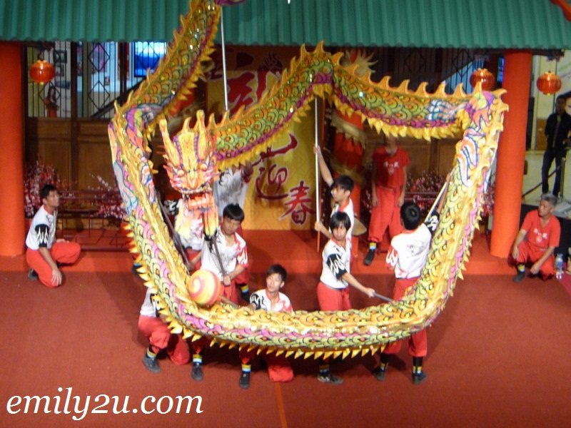 Dragon Dance Performance by Ipoh Chin Woo