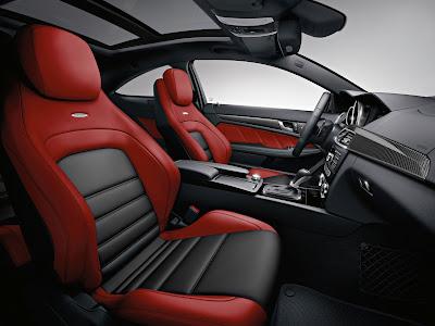 Mercedes-Benz-C63_AMG_Coupe_2012_Interior_01_1600x1200
