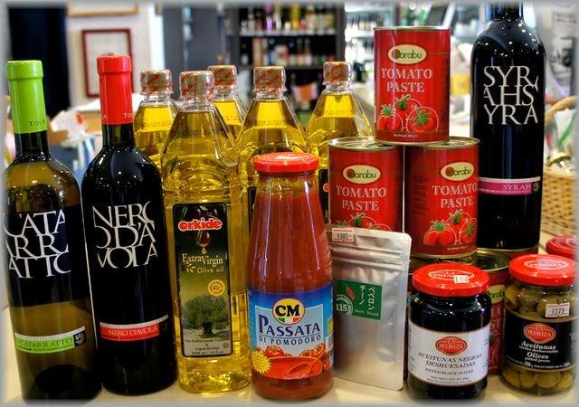 ワインに合うイタリアンな食材が入荷!