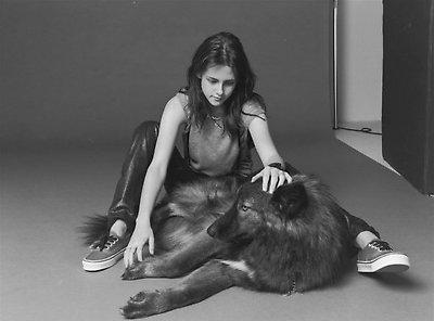 Kristen Stewart and a dog