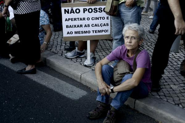"""Melhores cartazes das Manifestações 15 -09-2012 """"Que se lixe a troika!"""" (Parte II)"""