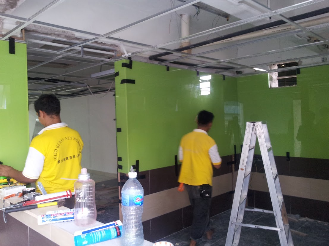 install color glass panel to kitchen