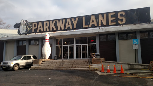 Bowling Alley «Parkway Lanes», reviews and photos, 200 US-46, Elmwood Park, NJ 07407, USA
