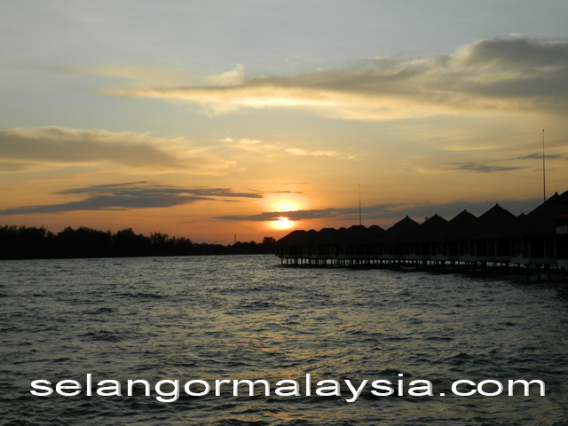 watch Sun rise at Sepang Gold Coast