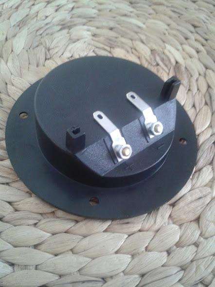 Conector para cajon de subwoofer