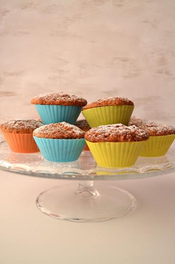 rosated banana muffins cake stand