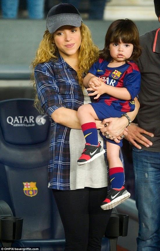 Ngôi sao nhí 22 tháng tuổi của Barcelona