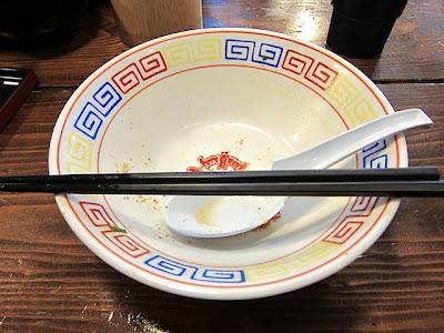 替玉もいただきスープも完飲のラーメン丼