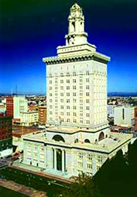 Oakland City Hall, California (retrofit)
