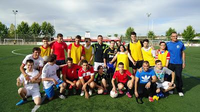 Entramiento y partido en la Escuela de Fútbol Emérita Augusta