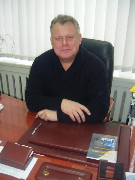 Завідувач кафедри економiки та управлiння, к. е. н., доцент Кузнєцов Едуард Анатолійович
