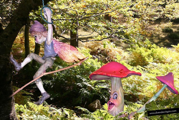 El Duende Albar Trepador en el bosque con las setas parlanchinas