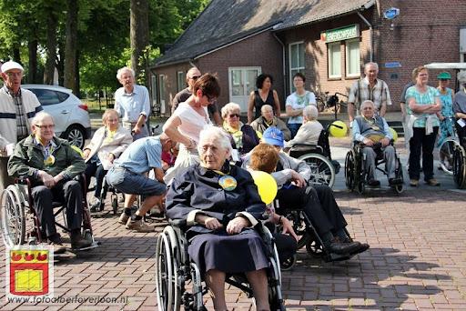 Rolstoel driedaagse 26-06-2012 overloon dag 1 (4).JPG