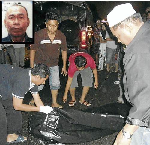 TUTUP... jenazah mangsa dibawa ke Hospital Dungun untuk bedah siasat. Gambar kecil, Othman, maut.