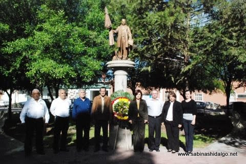 Conmemoran autoridades Expropiación Petrolera y natalicio de Benito Juárez