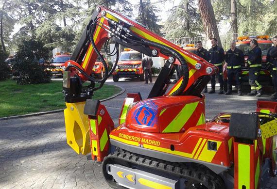 17 nuevos vehículos, un robot y una apiladora para el cuerpo de bomberos