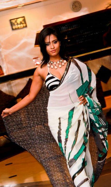 Maheshi Madushanka   Glamour, Girl, Saree
