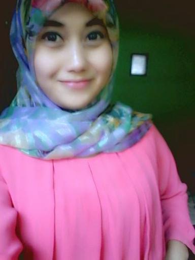 Inilah Foto-foto Selfie Satpol PP Cantik dari Pandeglang, Banten
