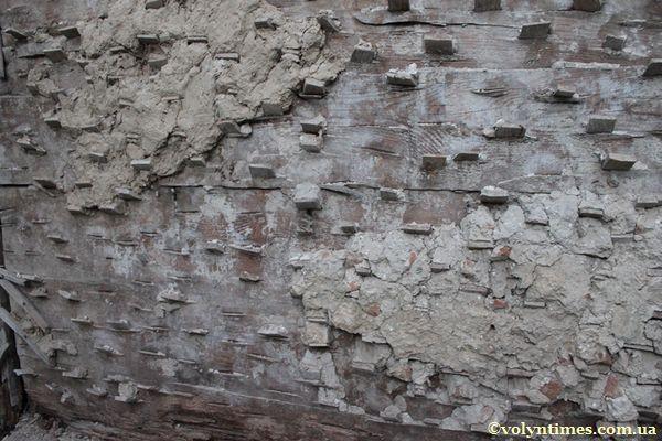 Нестандартне  рішення підготовки дерев'яної поверхні до штукатурення