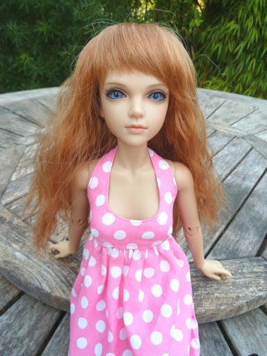 Alice (Leona JID Iplehouse) en cure de remise en forme (p 2) Essai%2520perruques46