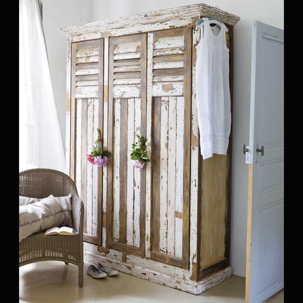 Viva el color renueva tus muebles con un poco de pintura ideas decoradores - Como decapar un mueble en blanco ...