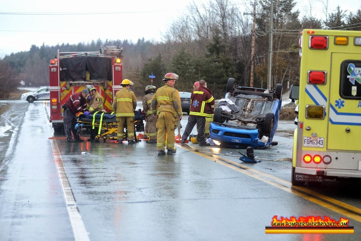 2014-04-08 Accident Boul. St-Francois Pompier Sherbrooke