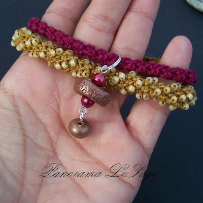 Bransoleta szydełkowa koraliki zawieszka z masy polimerowej Crocheted beads bracelet pendant from the polymer mass