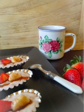 Tartaletas de mascarpone al chocolate con plátano y fresas , Asaltablogs