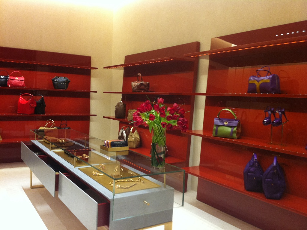 Confashions from Kuwait: YSL Boutique Opens in Kuwait\u0026#39;s 360 Mall