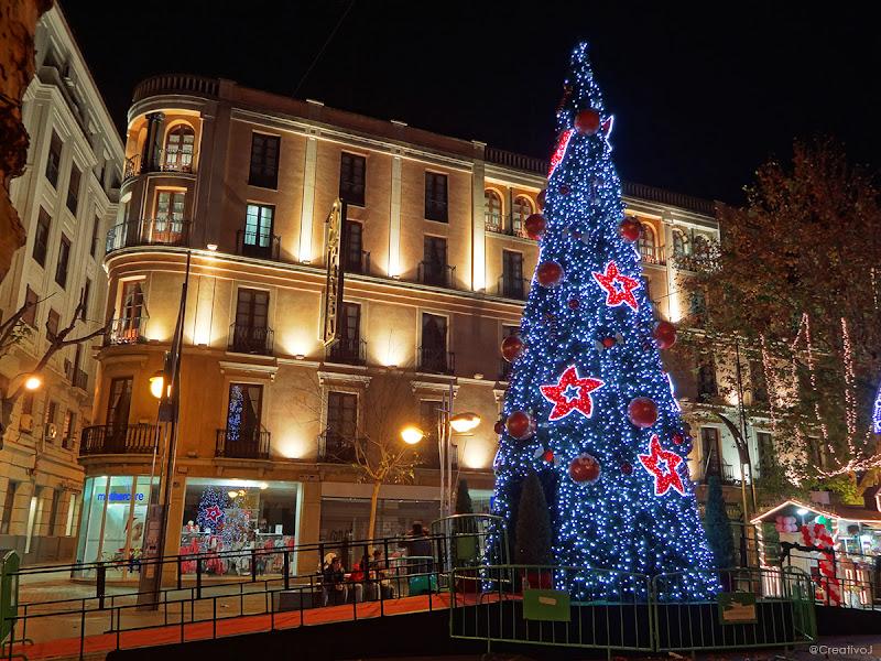 luces navidad, árbol de navidad, parque atracciones, gran capitán, córdoba, españa, navidad, festividad, decoración navideña