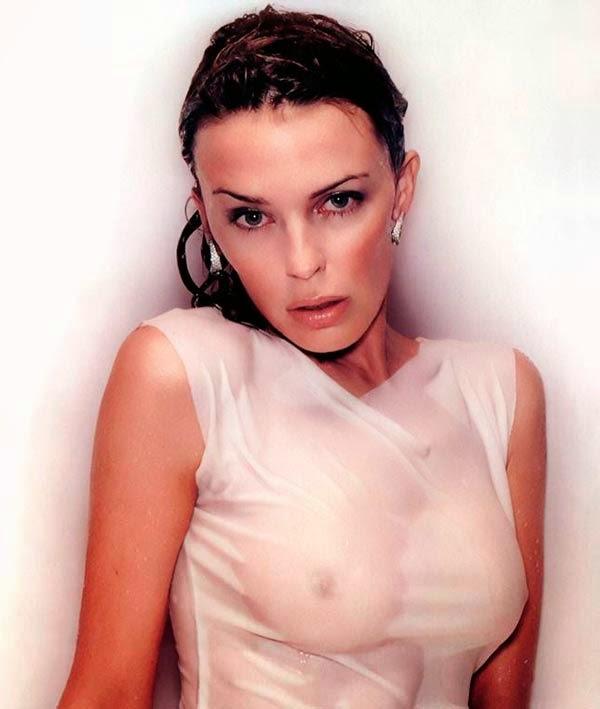 Kylie Minogue sexy camiseta mojada transparente