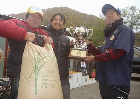 優勝 加藤敏久プロ 表彰1