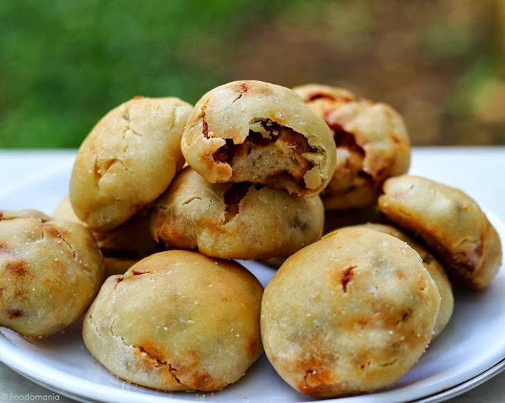 Nacho Bread Rolls Recipe | Nachos Pizza Bites | Tasty & Quick Mexican Vegan Appetizers by Foodomania.com | Written by Kavitha Ramaswamy