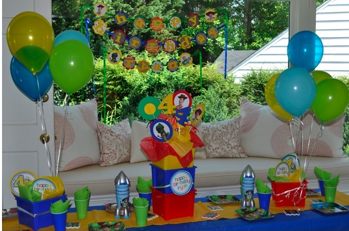 Puedes Decorar Con Tres Tem  Ticas B  Sicas Una Fiesta Toy Story Que