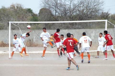 Armadillos contra Huracán en primera fuerza de la Liga Municipal e Futbol Soccer