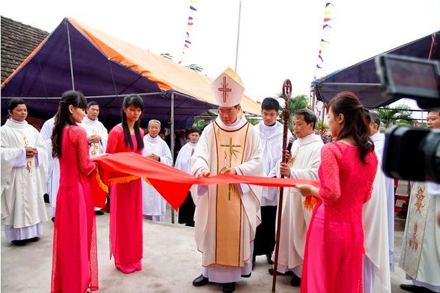 Thánh lễ Tạ Ơn, làm phép và khánh thành Nhà Thờ giáo họ Đồng Nhân- giáo xứ Dưỡng Điềm