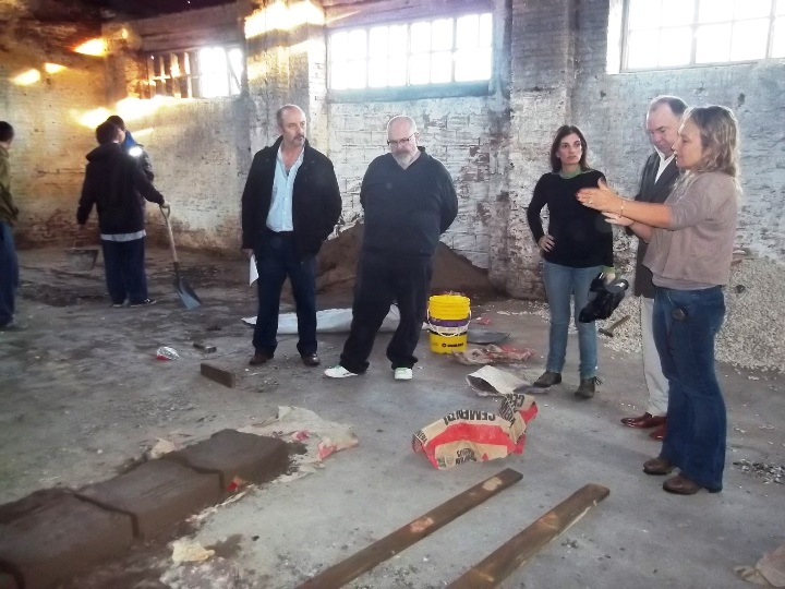 Ciudad Cultural El Intendente Vidal recorrió el edificio de la ex Estación de Trenes donde se lleva a cabo el proyecto municipal