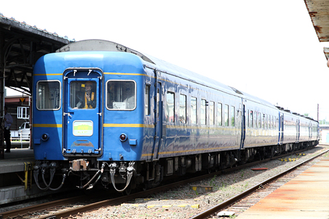 JR北海道 「リバイバルまりも」 DD51&14系座席車&24系寝台車 釧路駅にて その2