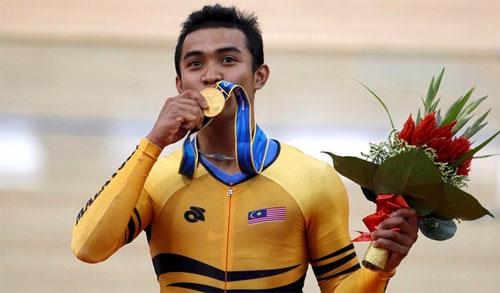 Anugerah Olahragawan Negara milik Azizul (Updated!)