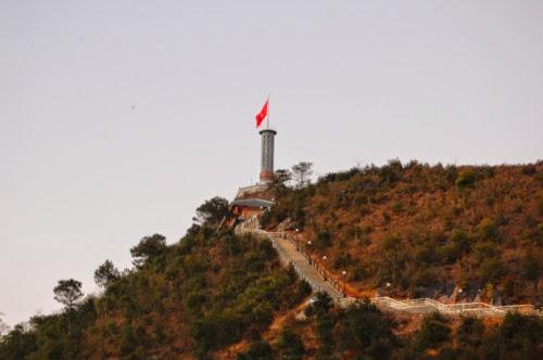 81 Cột cờ Lũng Cú   nơi địa đầu Tổ quốc
