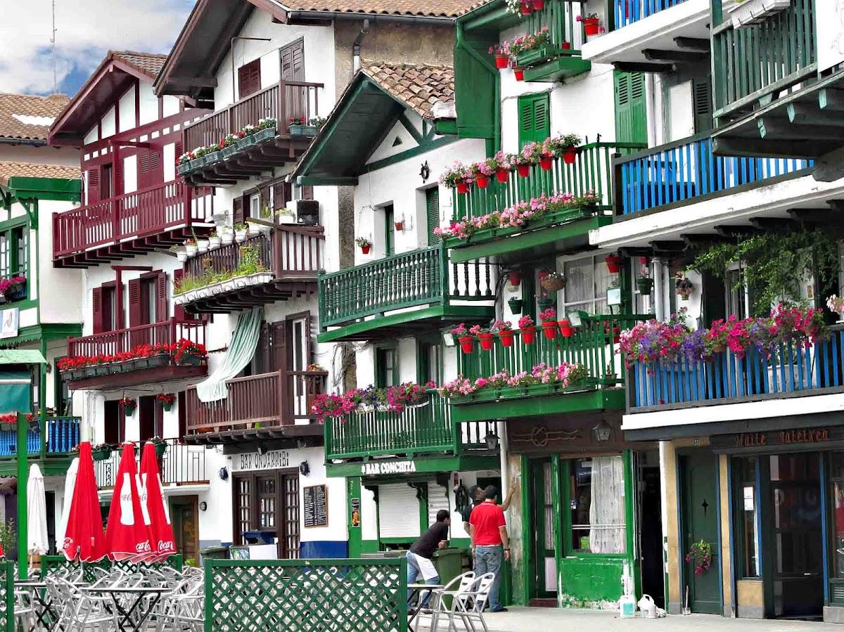 7.- Tramo Hondarribia-Donostia para EuskadienBTT Barrio_la_marina_hondarribia_fuenterrabia