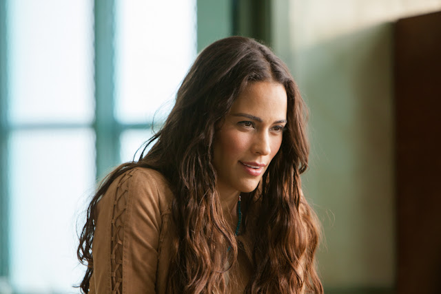 Paula Patton as Deb in 2 Guns
