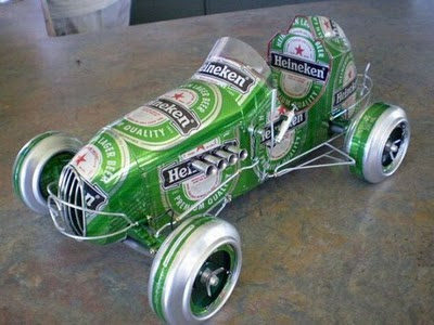 auto clasico lata cerveza
