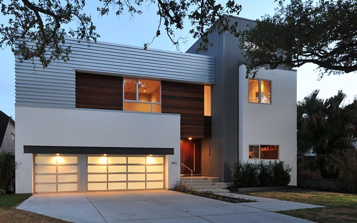 Residence for Comfortable Life in Houston
