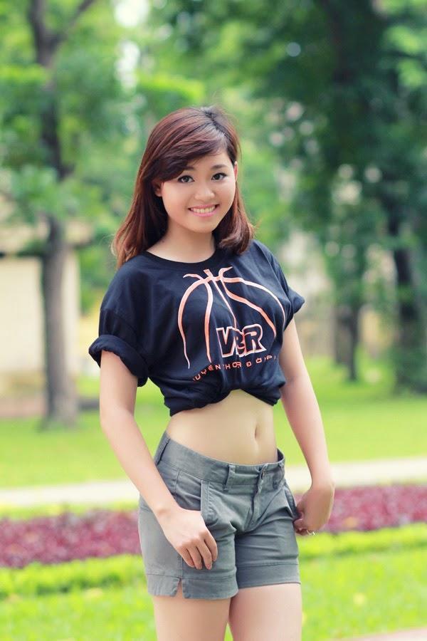 Thí sinh Miss Bóng Rổ khoe sắc tại công viên 6